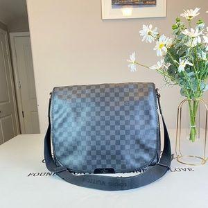 Louis Vuitton Damier Canvas Messenger bags